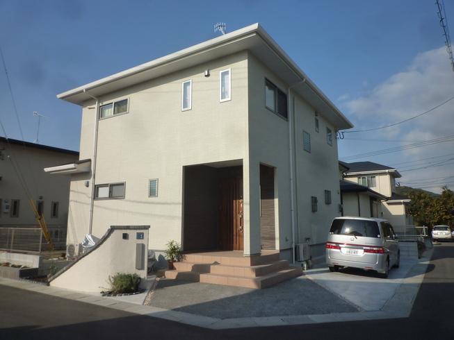 糸島市:高断熱・オール電化で収納たっぷりの注文住宅